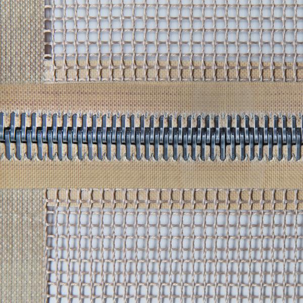 Alligatorverbindung eines Transportsbands aus Teflon - beschichtetem Glasgewebe